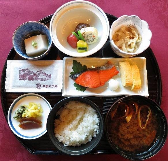 奈良ホテルで朝食を