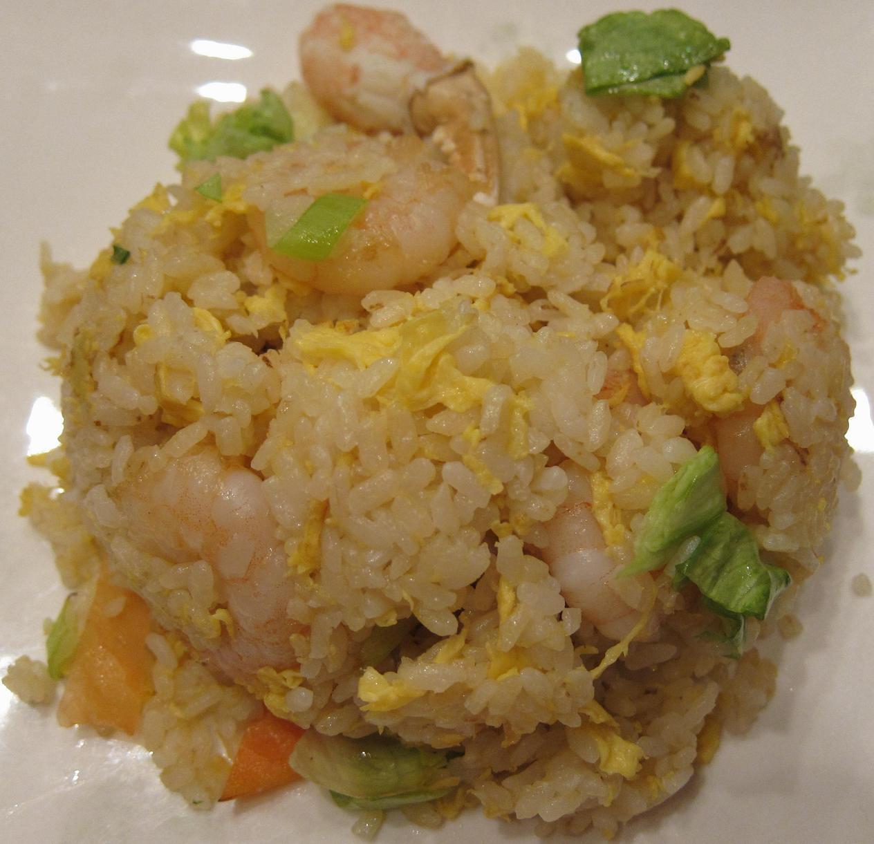 蟹爪載せ海老野菜炒飯アップ