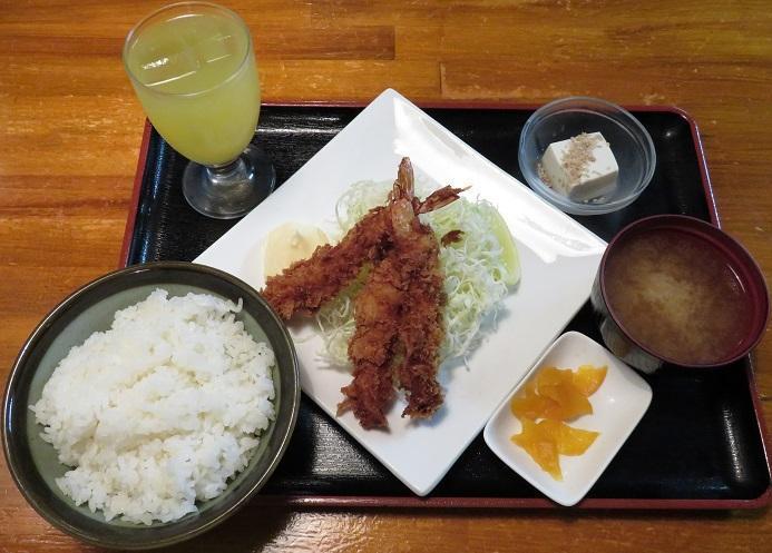 ライス・味噌汁・小鉢・お新香・ドリンク付