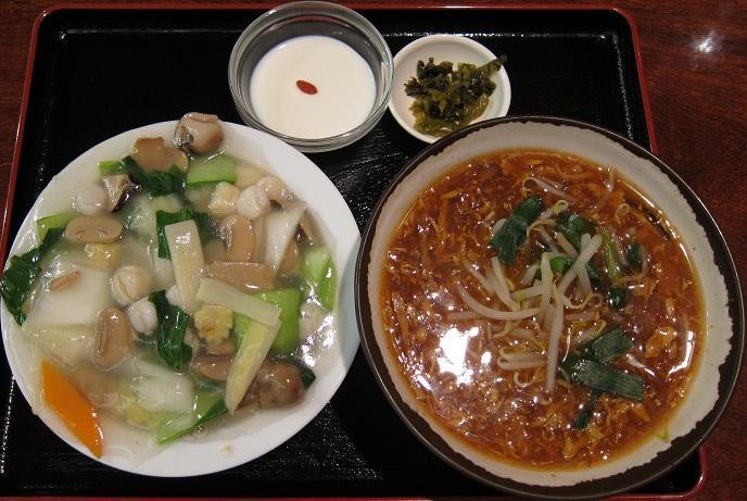 貝柱と野菜のかけ飯+酸辣麺