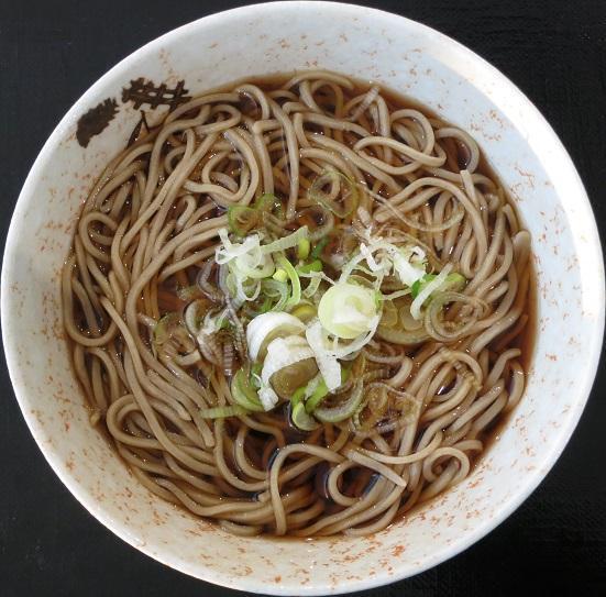北海道産そば粉を自家製麺した喉越しの良い蕎麦