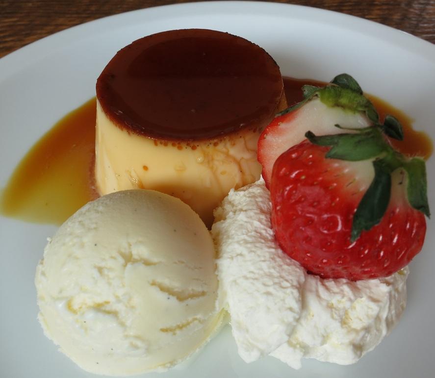 Classic Custard  Pudding with Fruit and Vanilla Gelarto