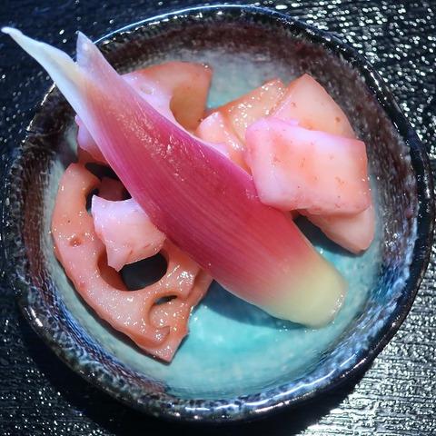蓮根蕪茗荷梅肉和え(ふじむらさき)