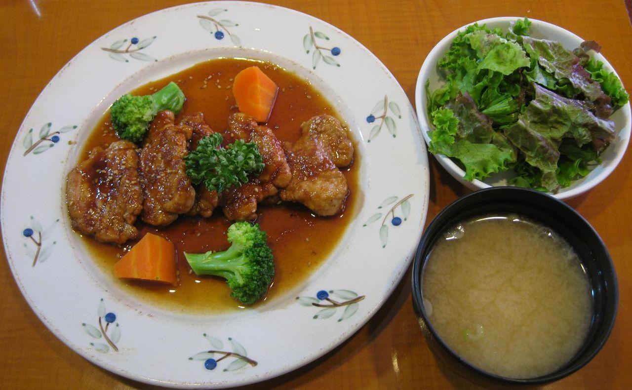 豚ヒレ厚切生姜焼定食