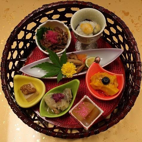 季節の七久里籠盛前菜(上松屋)