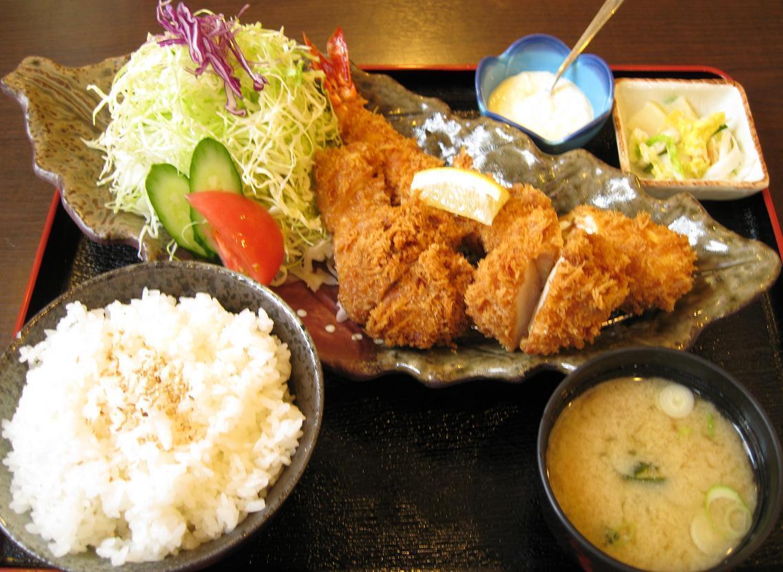 スペシャルミックスフライ定食