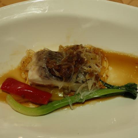 白身魚の馬拉醬ソース(南園)
