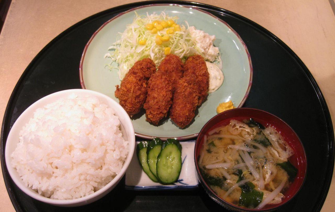 カキフライ定食(御飯大盛)