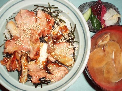 焼鳥丼(川さき)