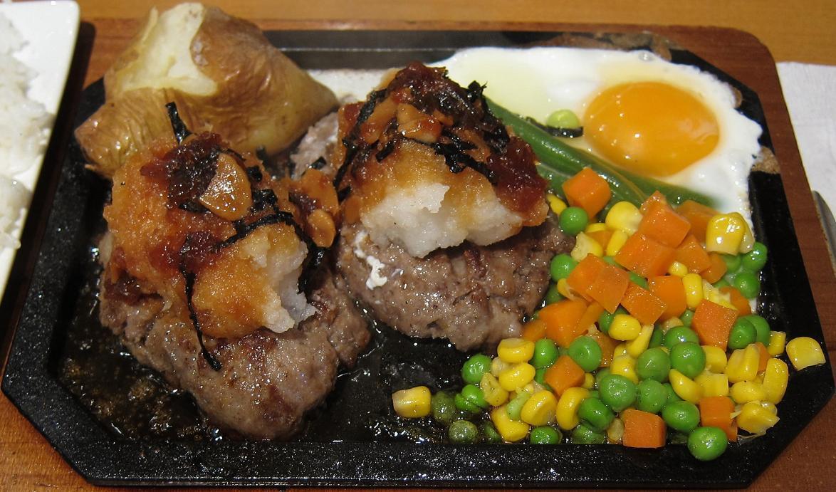 大根おろしハンバーグ+目玉焼き