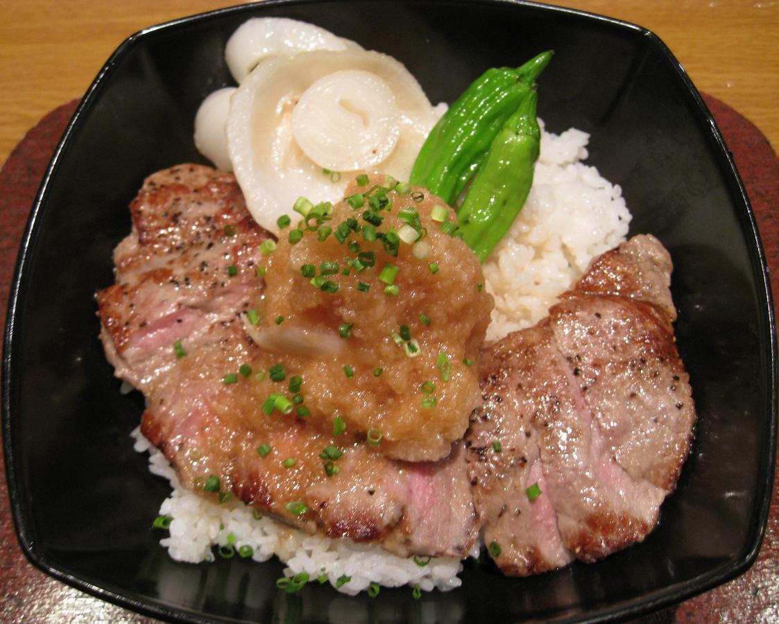 おろしステーキ丼