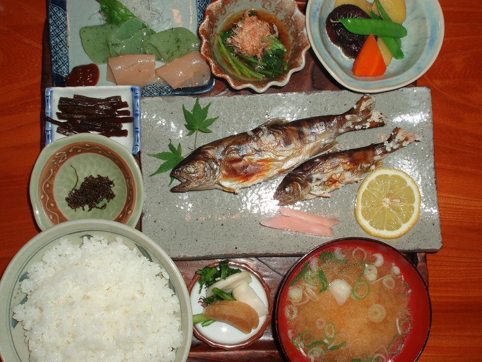 天然山女魚定食