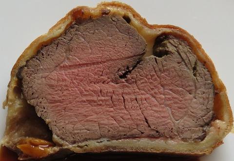 牛フィレ肉のパイ包み焼き(サール)