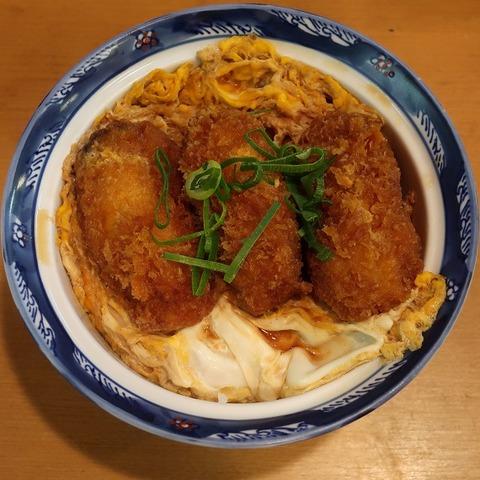 牡蠣とじ丼(丼丼亭)850