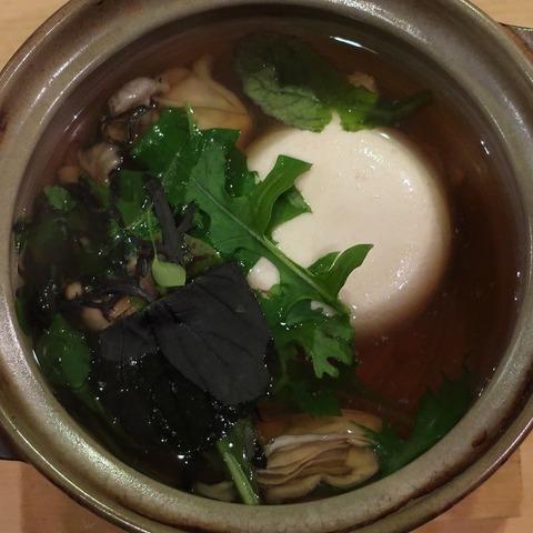 牡蠣湯豆腐(燗の美穂)850