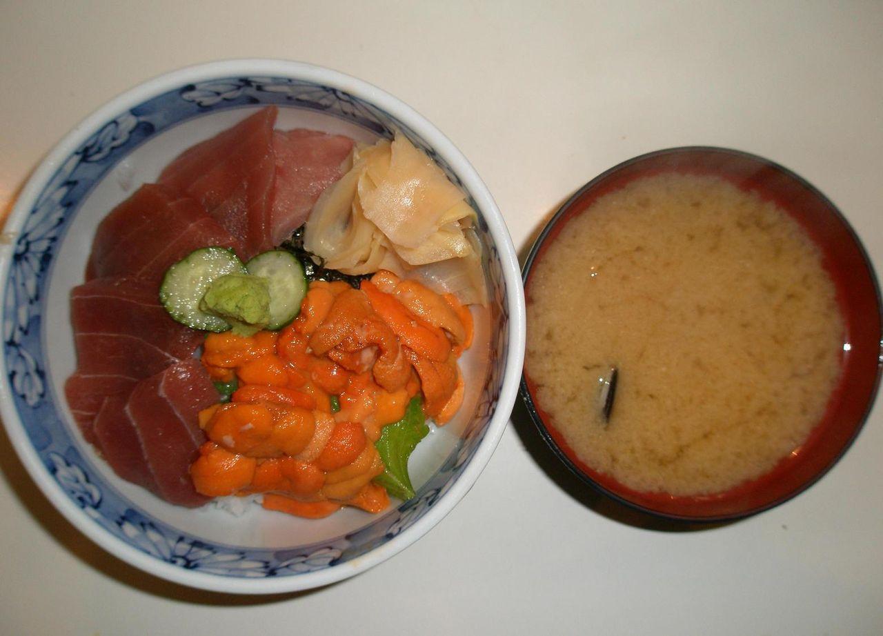 ウニ・マグロ丼+味噌汁