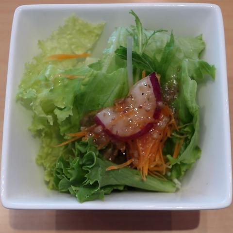 サラダ(あかり)