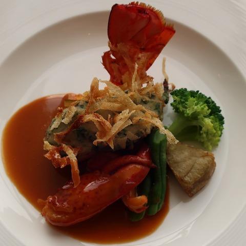オマール海老のフリット マデラ香る甲殻類のソース(RPR)