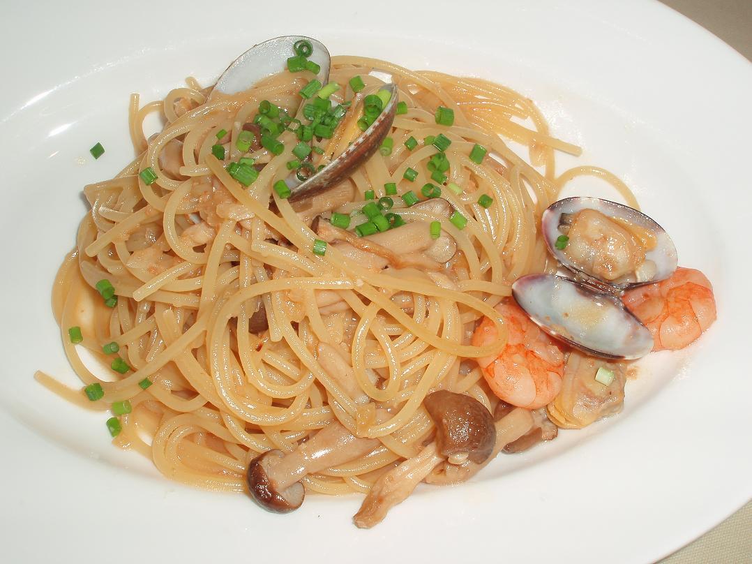 小エビとアサリとキノコのスパゲッティージャポネーゼ