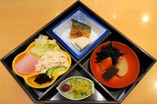 焼海苔・納豆・御飯・味噌汁付