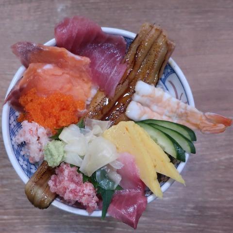 海鮮こぼれ丼(磯丸水産)1078