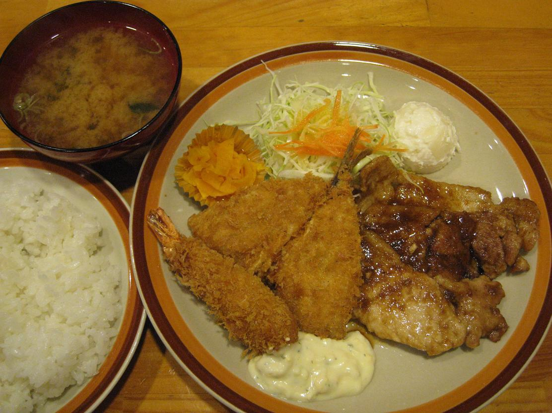 豚ロース生姜焼き+エビ・アジフライ盛合せ定食