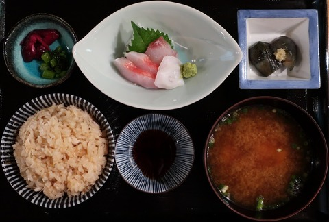 炊き込みご飯定食(酒肴晴)1000