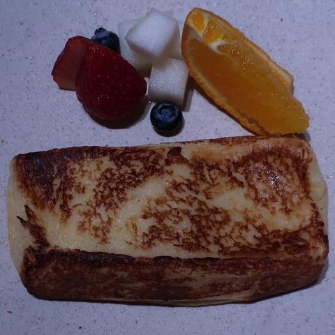 フレンチトーストフルーツ添え(紗灯)1500