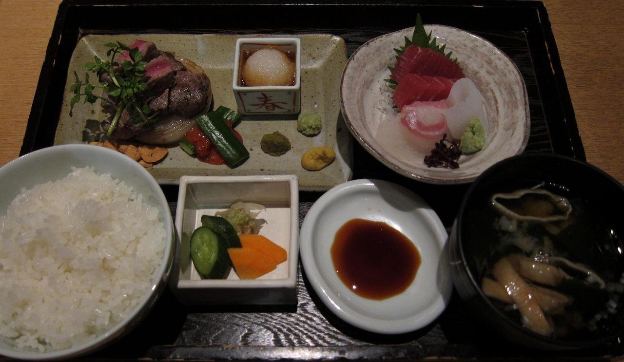 国産牛フィレ肉ステーキ定食