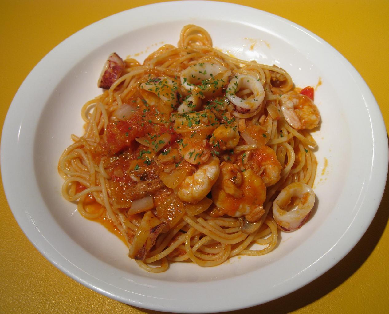 シーフードトマトソーススパゲッティ