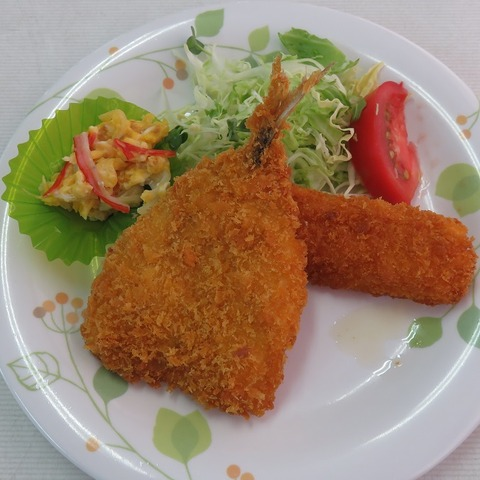 B定食(ポールライト)550