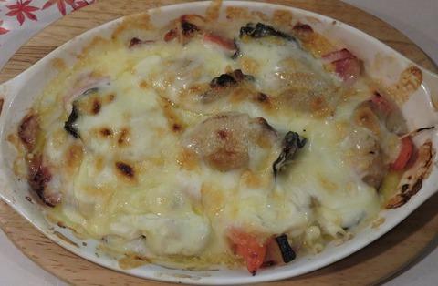 むきかきとトマト・ベーコンのきの子チーズ焼き700