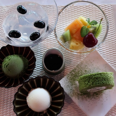 デザートプレートと旬のフルーツ(招月亭)