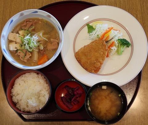煮込み定食(ニュートーキヨー)1100