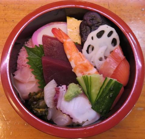 ちらし寿司(鮨八)950