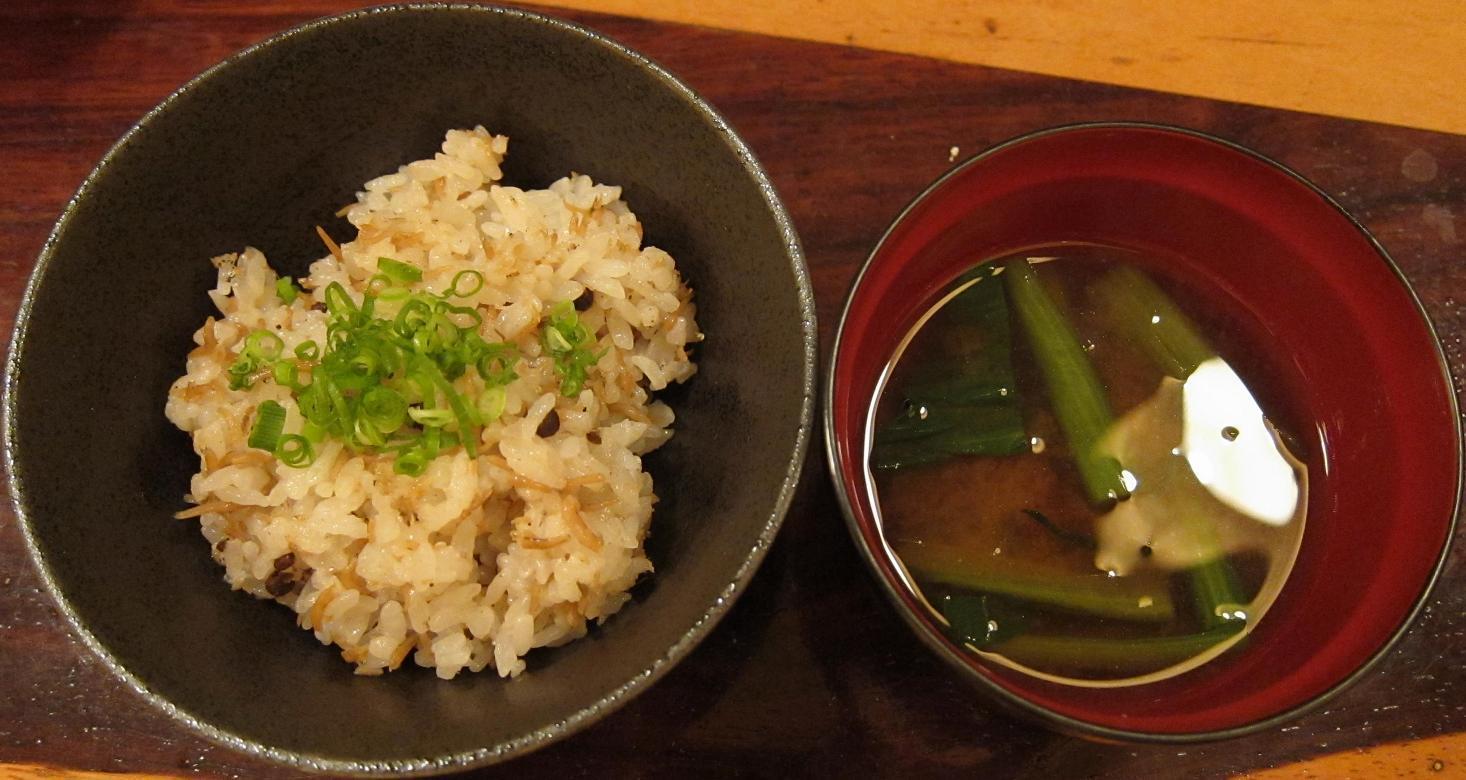 炊き込み土鍋飯・赤出汁