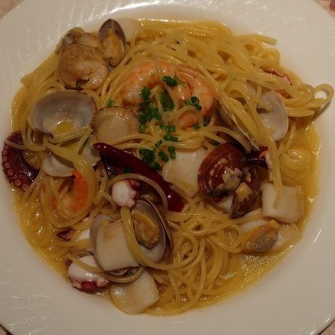 魚介のペペロンチーノ(ピッコリーノ)1300