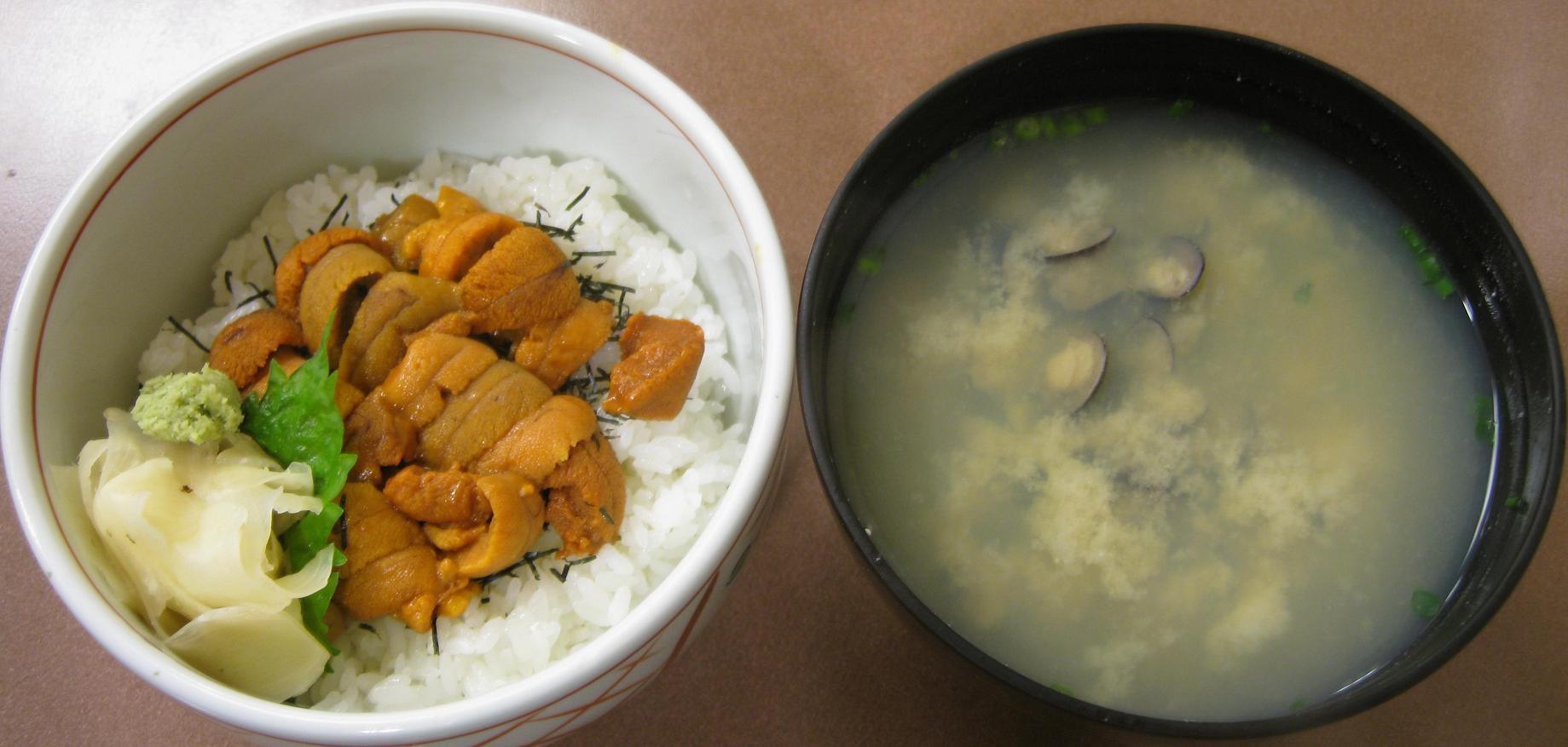 ウニ丼・シジミ汁