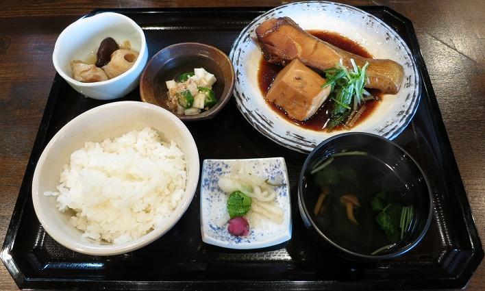 めだいと豆腐の煮付