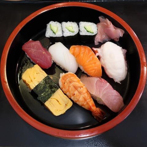 にぎり(寿司とく)1000