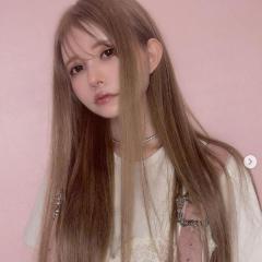 益若つばさ、大量エクステのロングヘア公開もネット騒然「髪より顔が気になる」