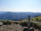 山頂から燧遠望