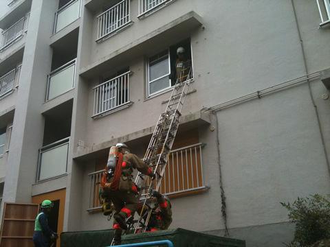 都営村山団地での消防訓練