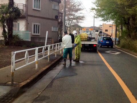 職員による道路清掃
