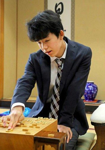 【史上最年少棋士】藤井聡太四段が3歳から愛用した木製立体パズルに注文が殺到している模様   大人でも楽しめそうやん