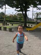 公園で遊んでます♪