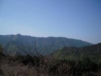石鎚今宮道 砂利道より石鎚山系の景色を望む