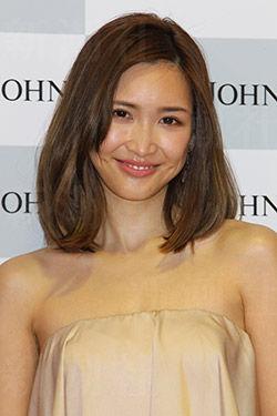 【画像】紗栄子の恋人「ZOZOTOWN社長」、所有3
