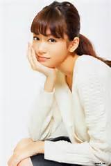 【画像】桐谷美玲のほっそり美くびれに驚くファン続出