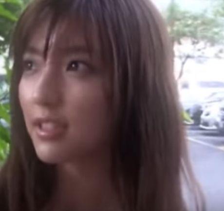 【画像】真野恵里菜さん、身体つきがセクシーすぎ4